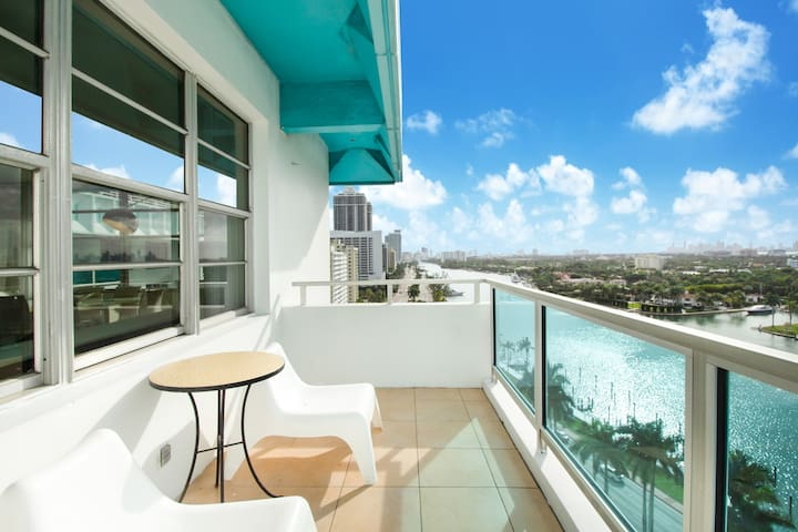 Spacious 2BR Biscayne Bay Apartments