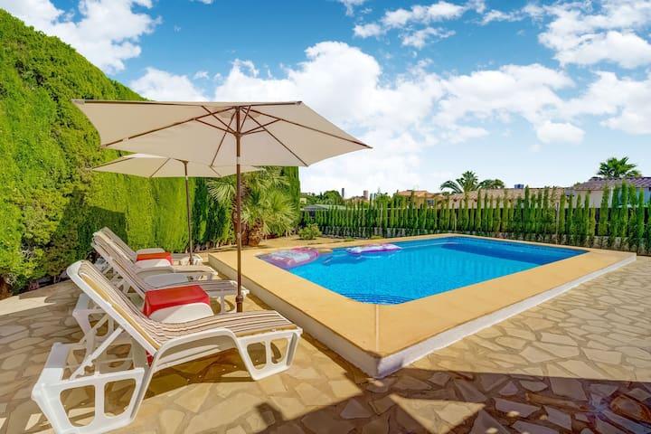 Serene Villa in Calpe with Private Swimming Pool