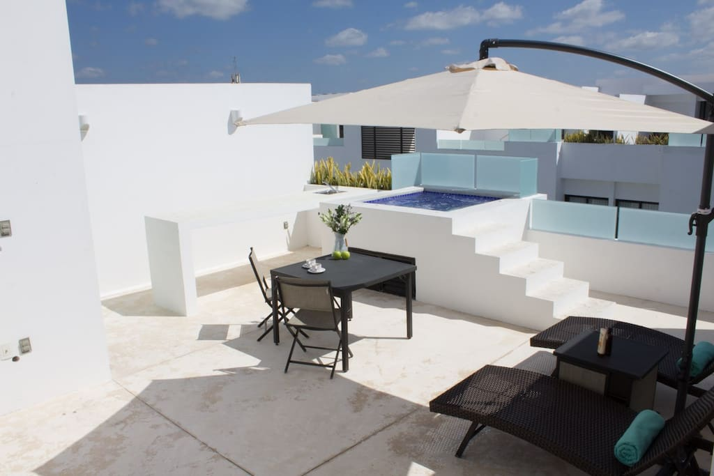 The PH 411-S has its own private terrace with a jacuzzi, full bathroom, tanning beds, dinning table ,barbecue and more.