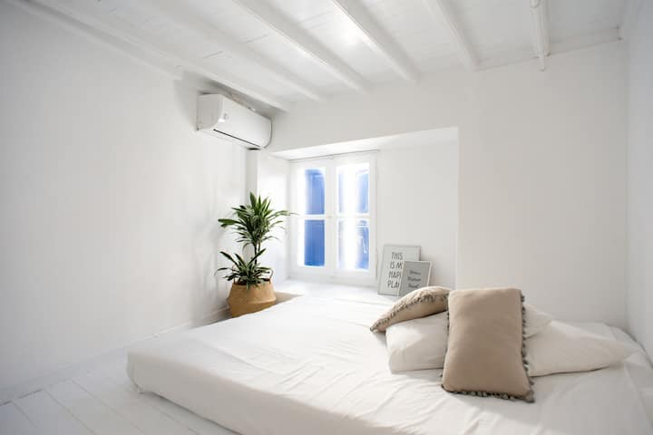 YOUR PLACE IN MYKONOS TOWN renovated studio