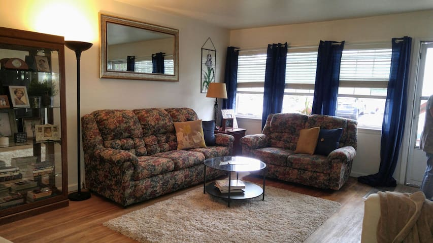 Beautiful apt near Vassar, Marist, CIA - Poughkeepsie - Apartment