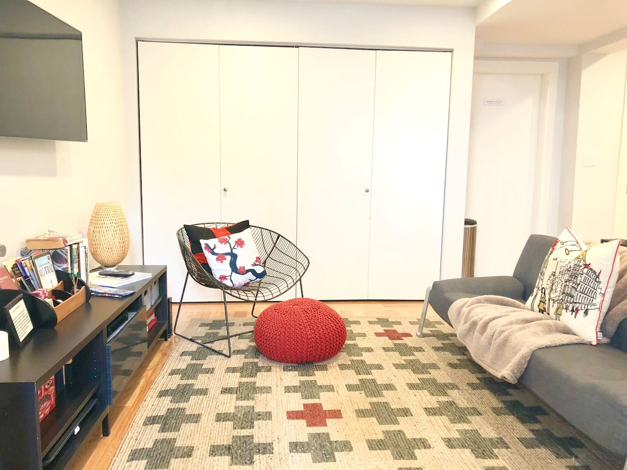 Cozy n Cute Garden Apartment for You in Presidio Heights