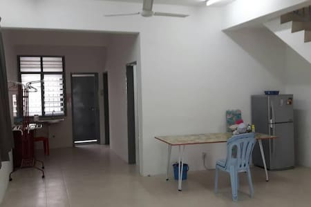 2247, Kampar UTAR room house for Rent