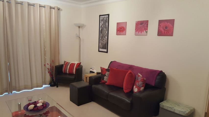 Spacious Homely Apartment - Reigate - Apartamento