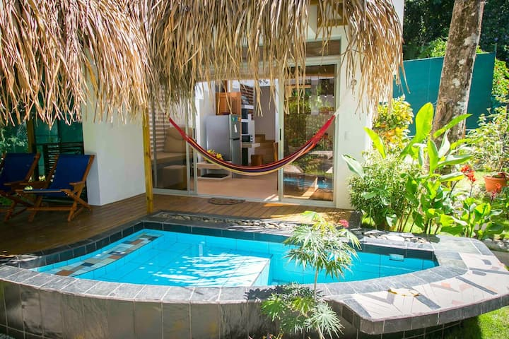 Beachfront in Manuel Antonio, 2 bed Villa Fuego