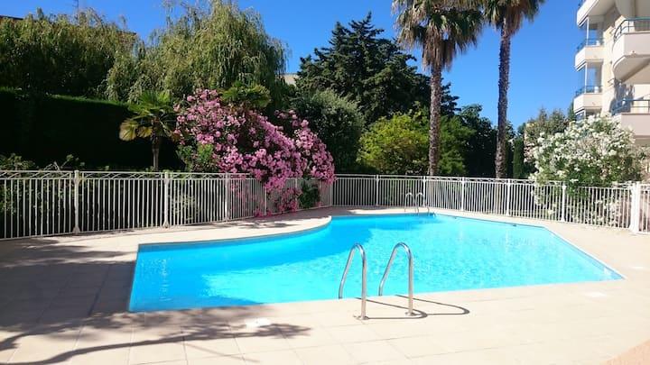 T2 Frejus plages à pied, piscine, parking et wifi