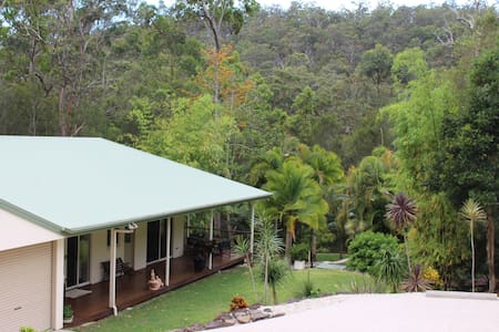 Tranquil Bungalow on Acreage in Mudgeeraba Forest - Bonogin