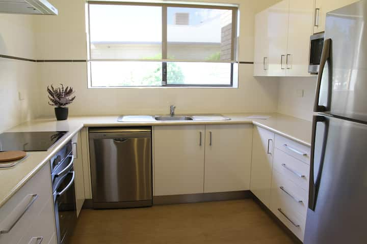 3 bedroom Apartment at Country Apartments Dubbo