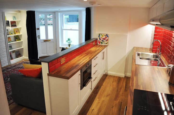 Newly refurbished apartment that sleeps up to 4.