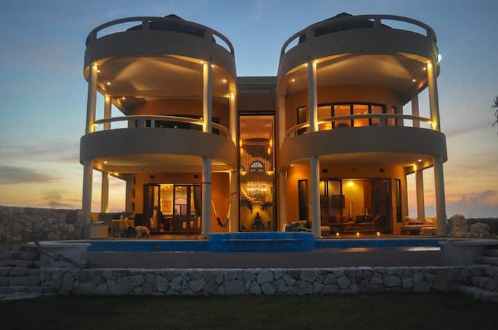 ZenSeaVillas Esprit del Mar - Sea-front Luxury
