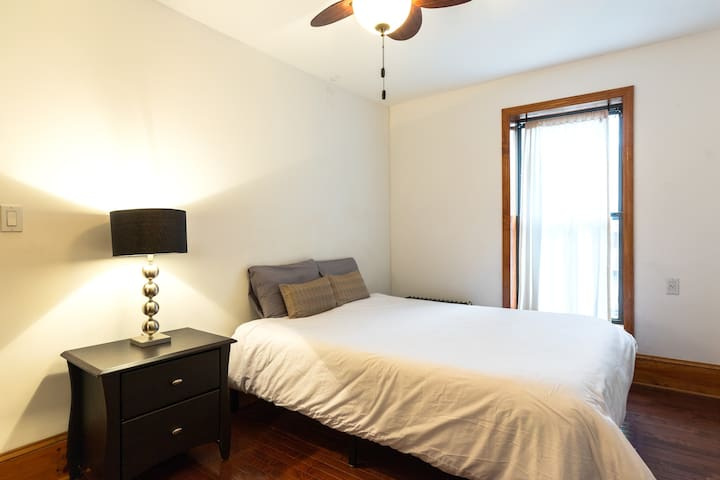 The guest room is equipped with a queen size tempurpedic bed.