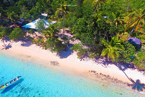 Family Beachfront Bure  Qamea Island - off Taveuni