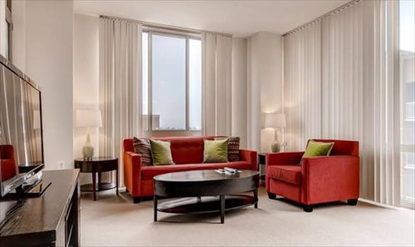 Lux 3 Bedroom Apt at Reston Town Center - Reston - Apartamento
