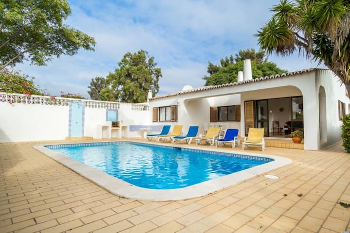 Casa Colina Azul - 3 Bed Villa With Pool, Walking Distance to Carvoeiro Centre