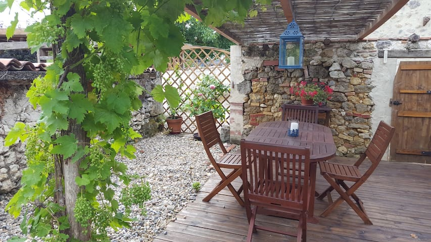 Quaint holiday home ,sos.aquitaine,lot et Garonne