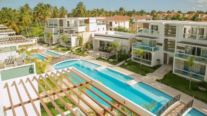 Costa Hermosa E402_Pool_BBQ_Gym_Walk to Beach_Dine