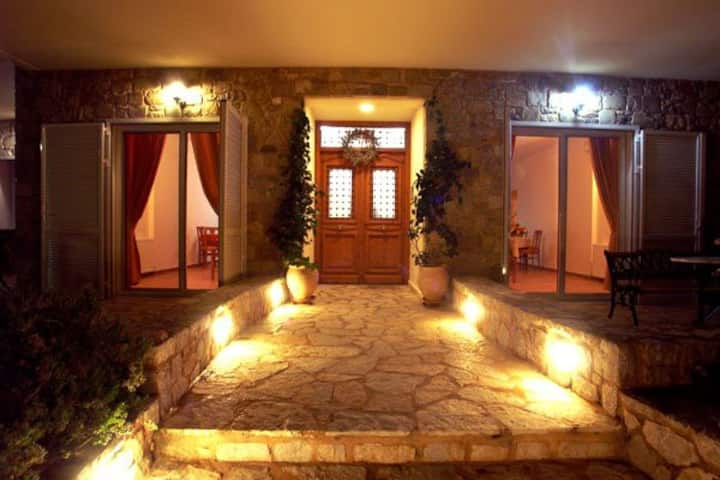Still thinking about accommodation in Ermioni?