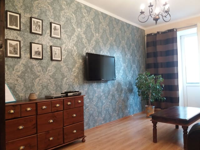 Cozy Apartment in Down Town. Center of Kiev !