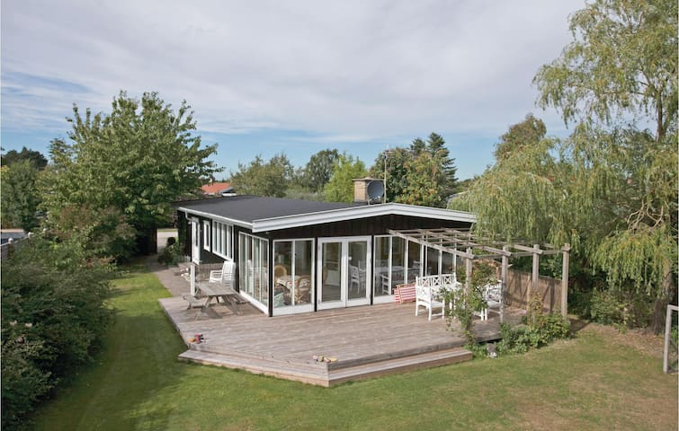 Holiday cottage with 2 bedrooms on 100m² in Slagelse