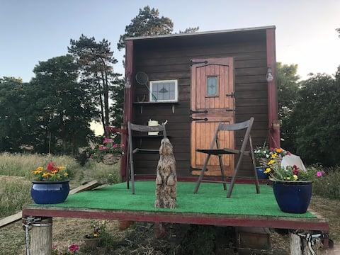 Glamping horse lorry RV nr Durdle door play garden