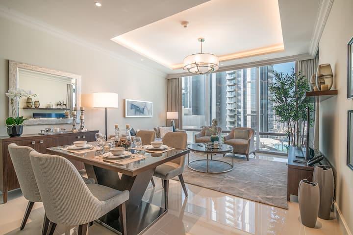 *Noble Private Suite, Burj-Khalifa View, Pool&Gym*