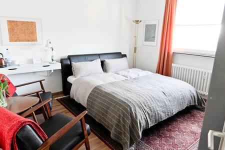 Sehr schönes Zimmer in toller Lage