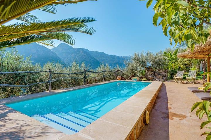 """Maison de campagne climatisée """"Ses Begudes"""" avec jardin, terrasses, piscine et connexion WiFi ; parking disponible"""
