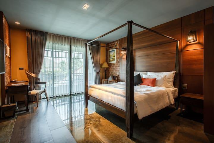 De l'amour Suite Room