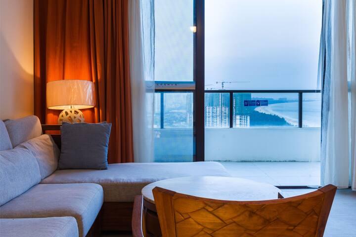 清水湾高层观景露台|两室两卫套房|户外泳池|离海步行3分钟|体验当地生活