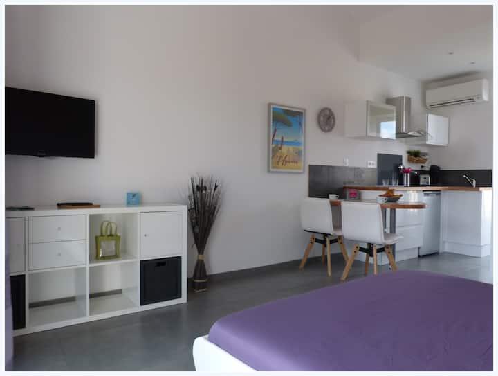 Studio neuf à 350 m de la plage - Hyères L'Ayguade