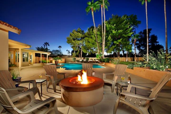 ☀️Summer Paradise - Huge private yard! ☀️