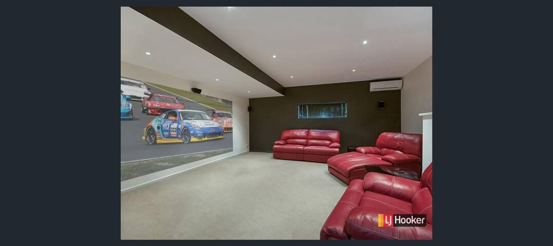 "Large Reno""d Home, Salt Pool, Cinema, Pool Table.. - East Ballina"