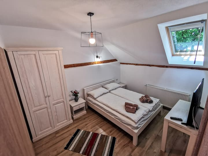 Otto's Guesthouse Room 3