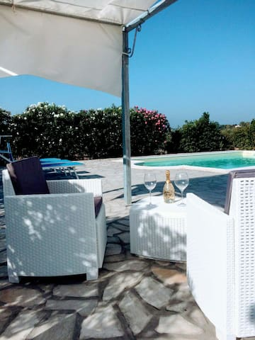 Vacanze villa con piscina - Alghero