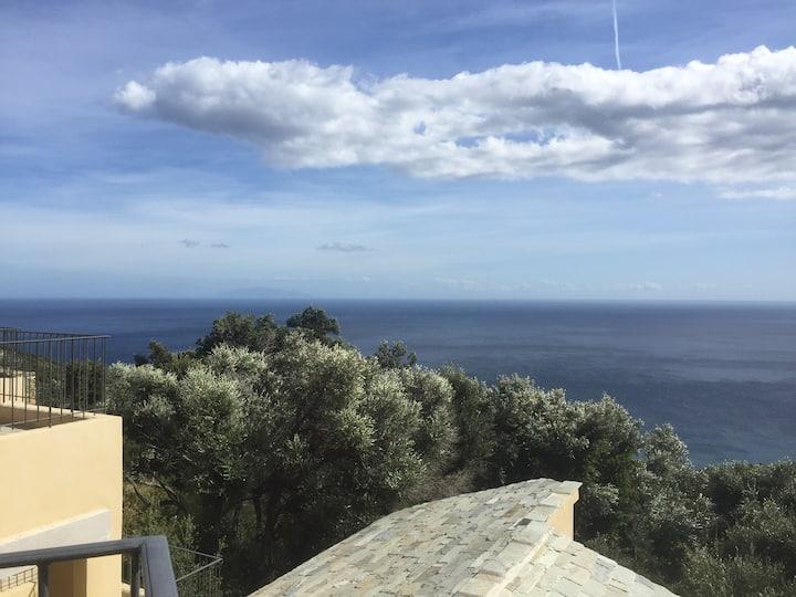 Cap Corse, vue magnifique en balcon sur la mer