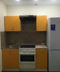 Уютная маленькая квартира - Andreevka - Apartamento