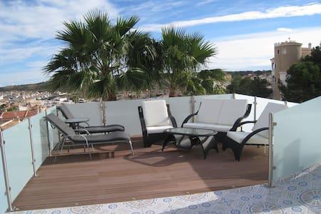 Moderne vrijstaande villa - Ciudad Quesada - Huvila