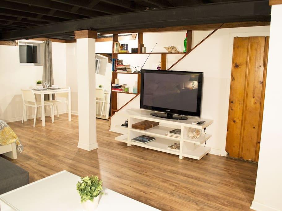 Quiet and private Petworth studio