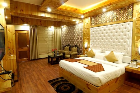 HONEYMOON SUITE ROOM NEAR KULLU