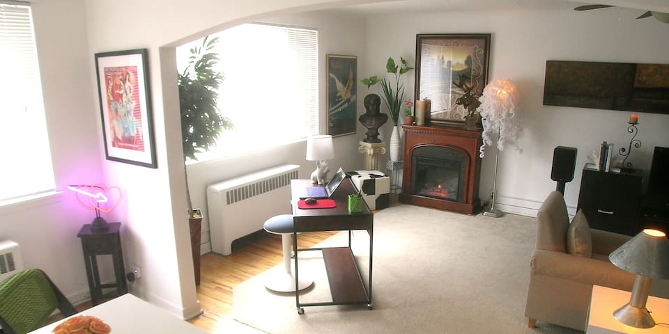 Spacious & Attractive–-Great Location for TC Visit