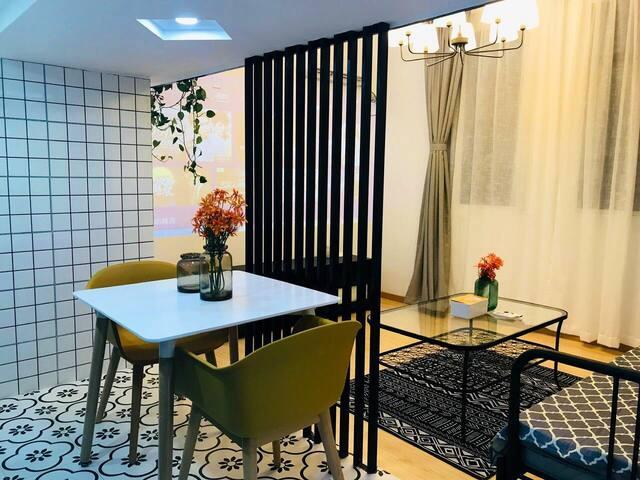 【地铁0距离】近外滩南京步行街地铁上盖温馨阁楼