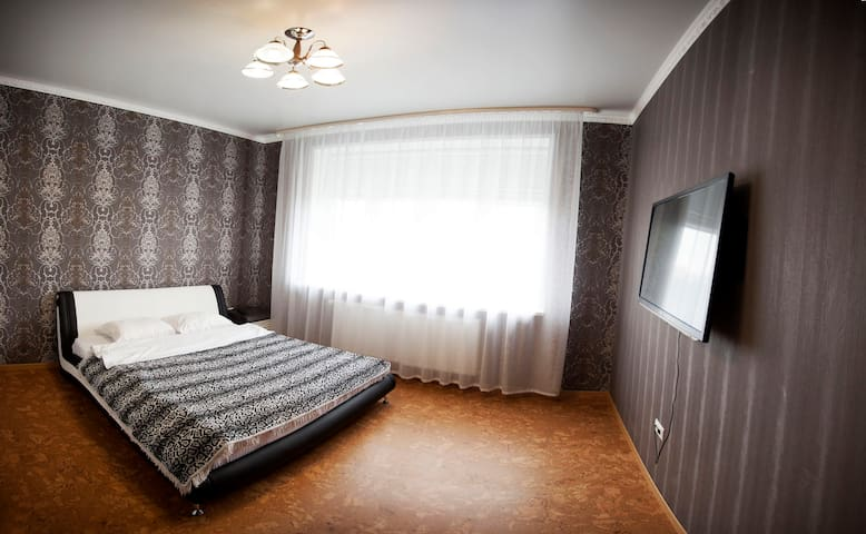 Полулюкс - Tyumen' - Apartment