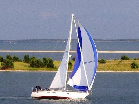 Sail Mambo Cruise and Learn Adventure