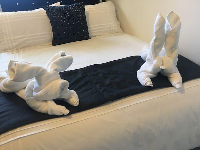 Bunny and bulldog folding towels