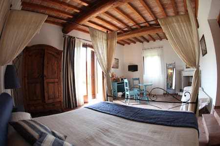 Suite quadrupla con vista giardino - Barberino di Mugello - Bed & Breakfast