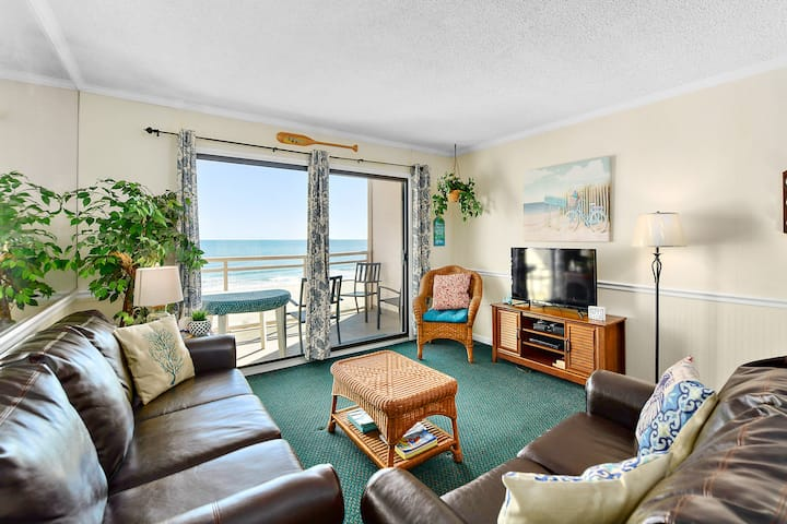 Just 1 Block From Boardwalk, Ocean Front 2 Bedroom Condo With Outdoor Pool!