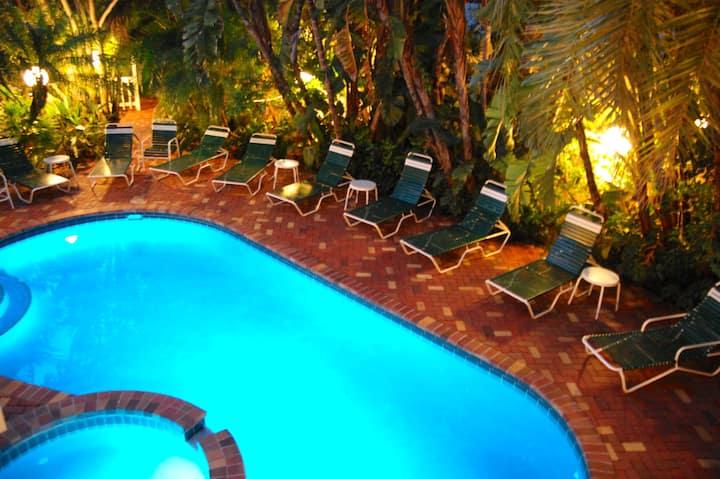 Enchanting! 1Br Siesta Key Inn #126