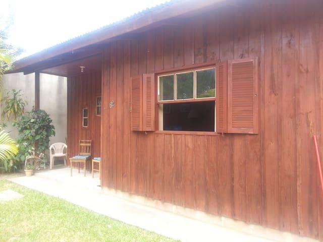 Casa da Claudinha p 2 pessoas 80 reais