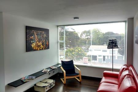 Lindo Aparta Estudio Cedritos - Bogotá