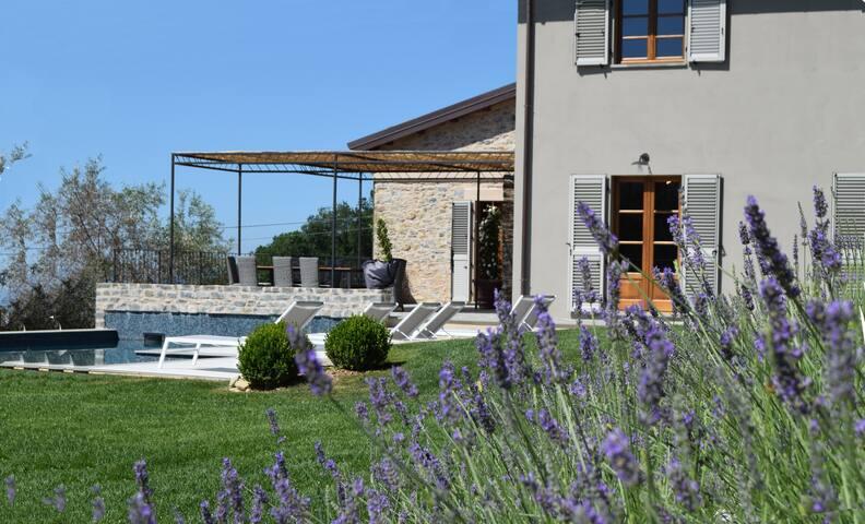 Villa La Braja - Luxury Villa